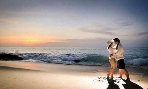 Indahnya Honeymoon di Jimbaran Beach Bali