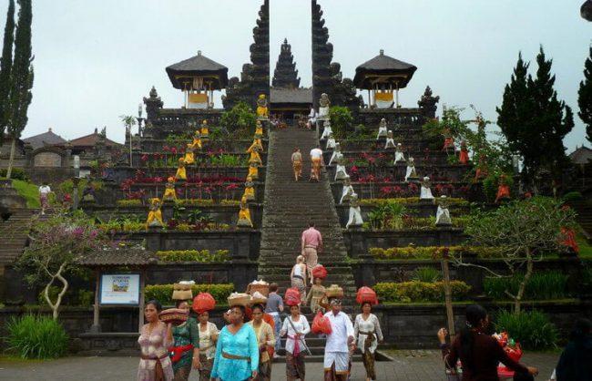 9 Tempat Wisata Budaya di Bali. Saksikan ritual Unik