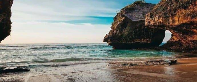 4 Pantai Indah yang Tersembunyi di Bali Selatan