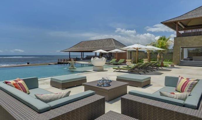 Villa di Bali dekat Pantai