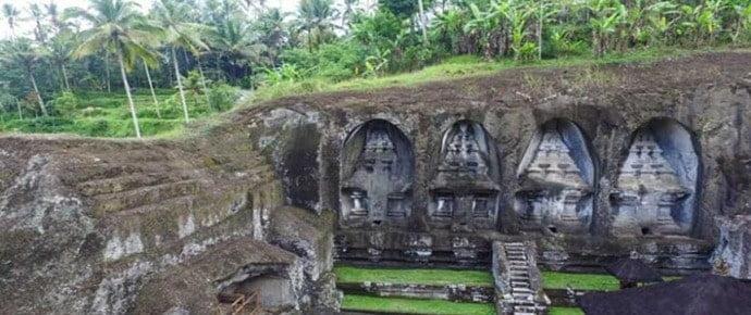 berwisata ke candi gunung kawi